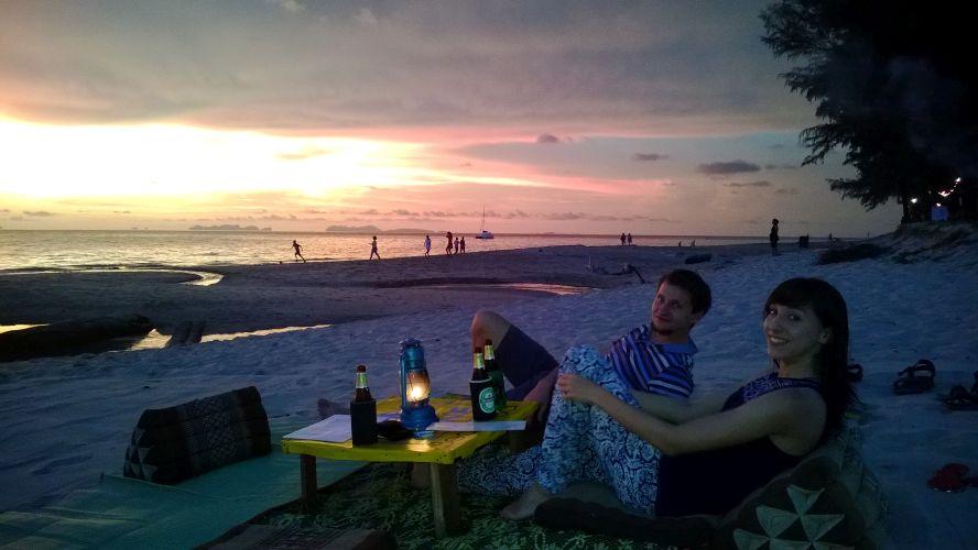 Zachód słońca przy piwku Chang