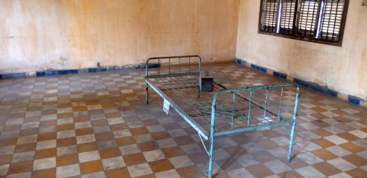 Krwawe brzemię Kambodży – Pola śmierci i więzienie S-21